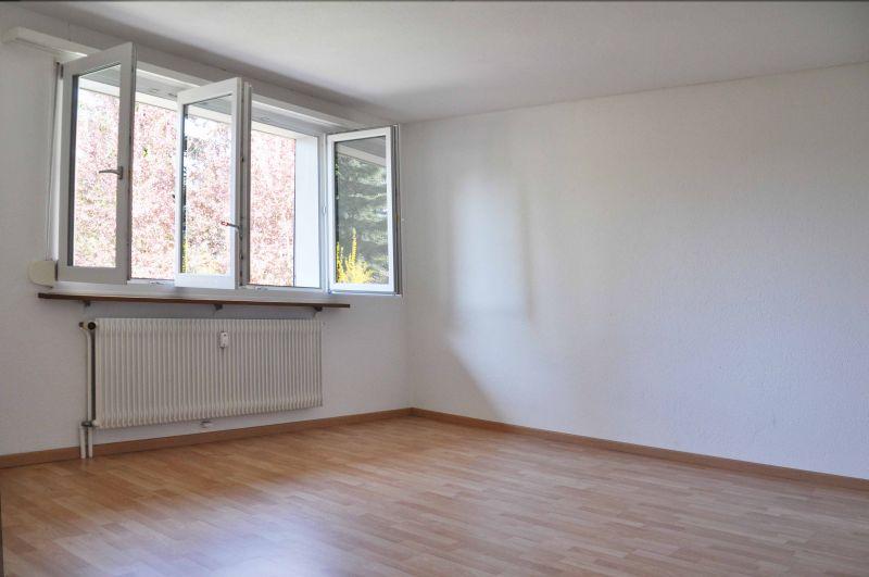 Miete: günstige, sehr gemütliche Wohnung